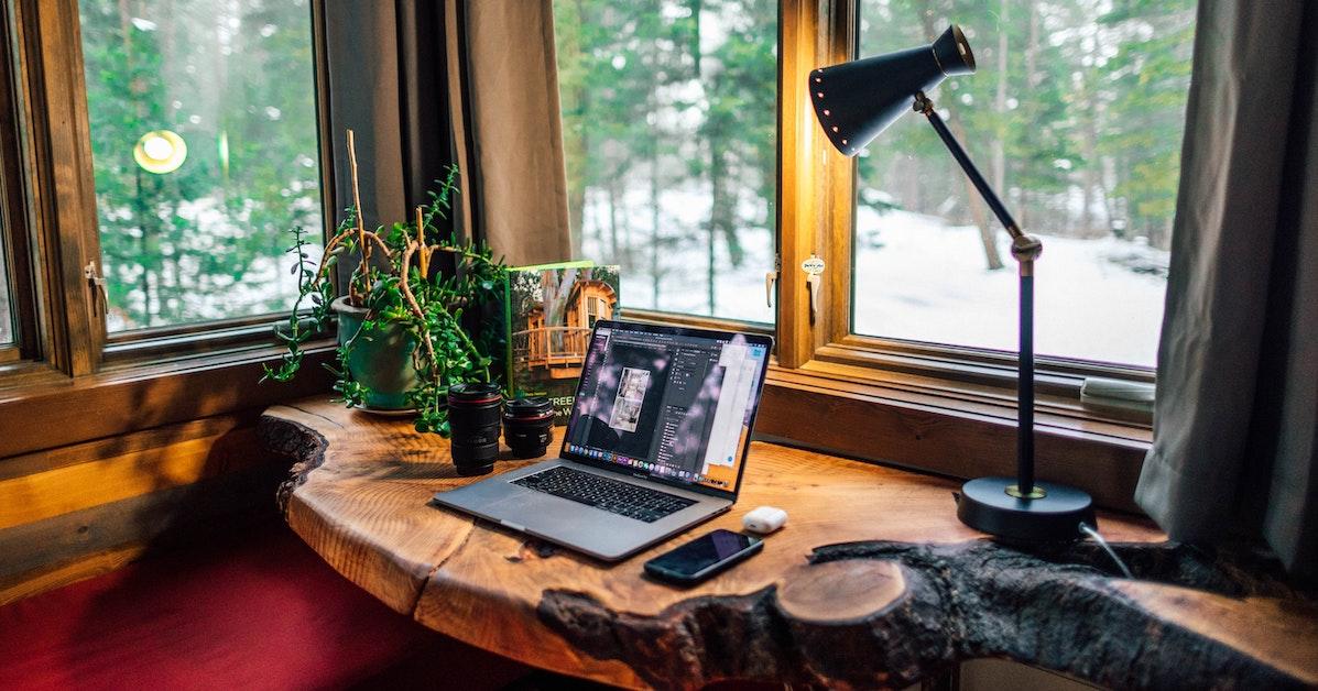 produk meja kerja di rumah