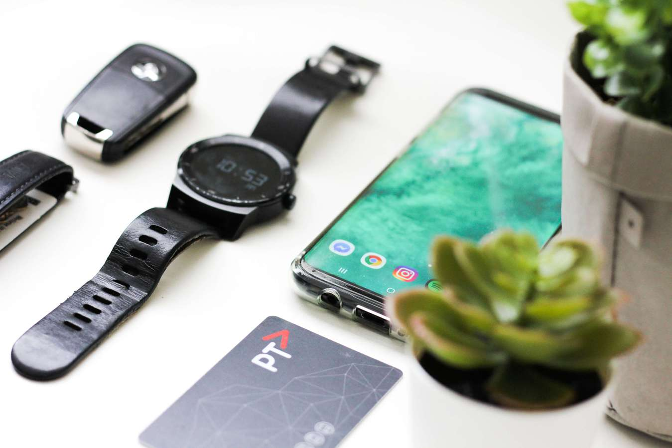 Aksesori dan alat elektronik