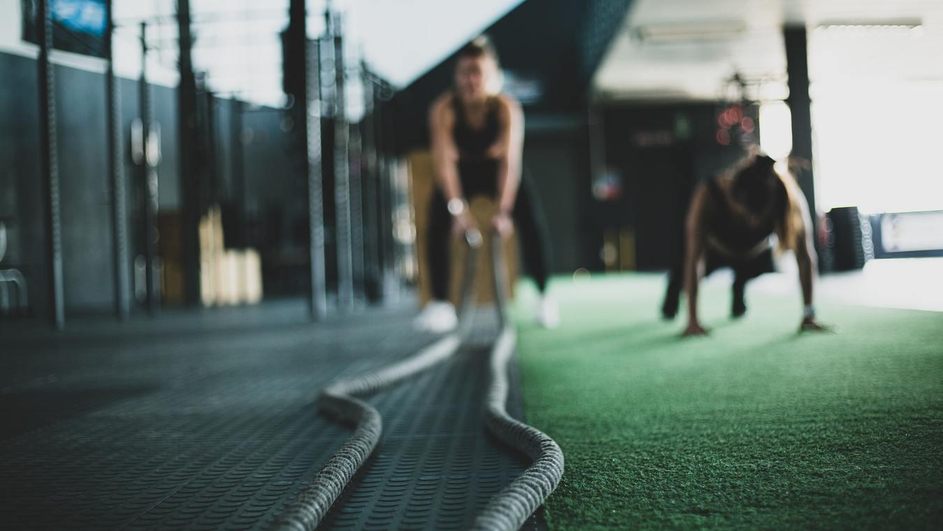 Fitness touwen in een sportschool