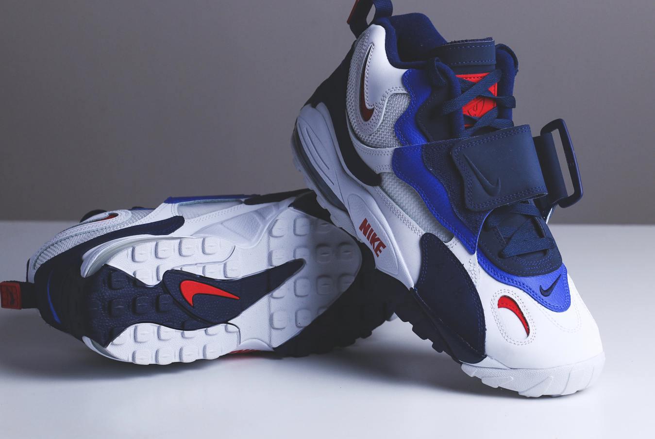 Jualan online paling laku: sepatu olahraga