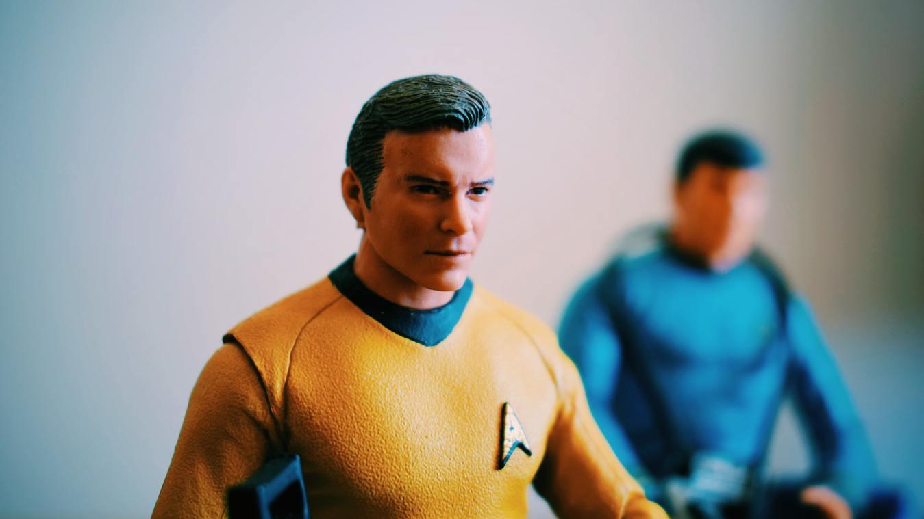 Mainan figurin sebagai produk terlaris