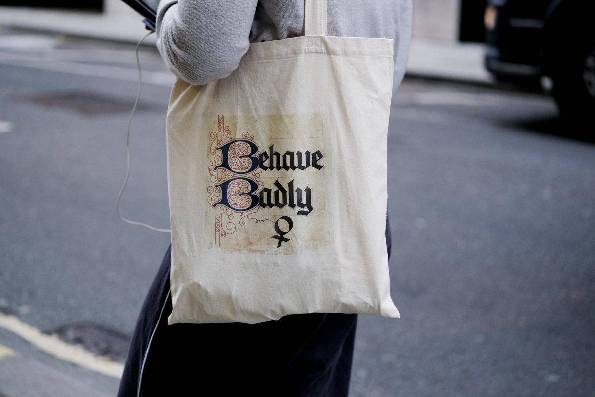 Tote bag Behave Badly