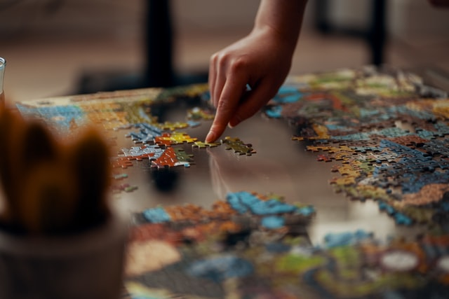 Playing puzzle