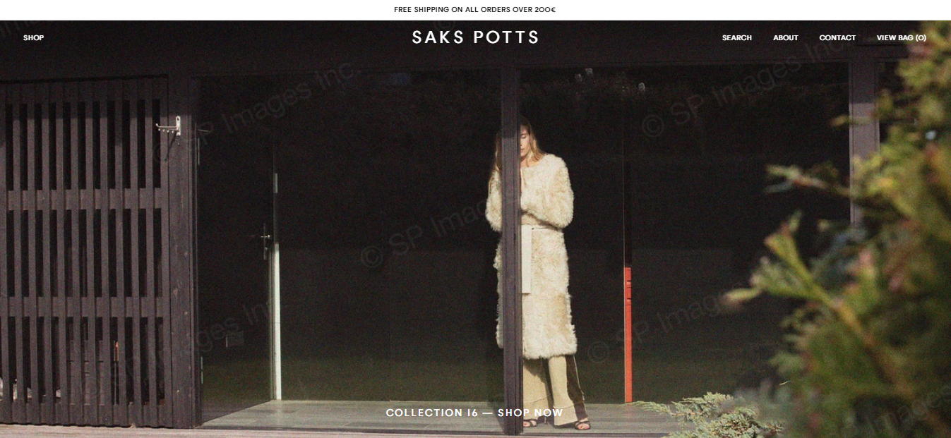 Contoh website eCommerce Saks Potts