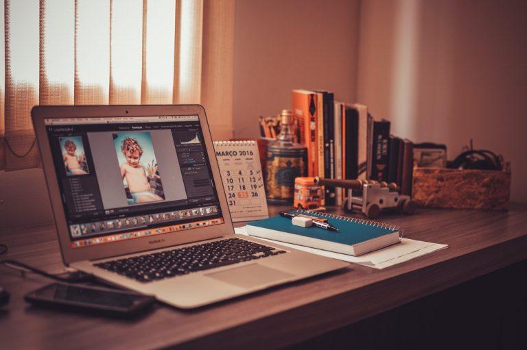 Photoshop na tela do notebook